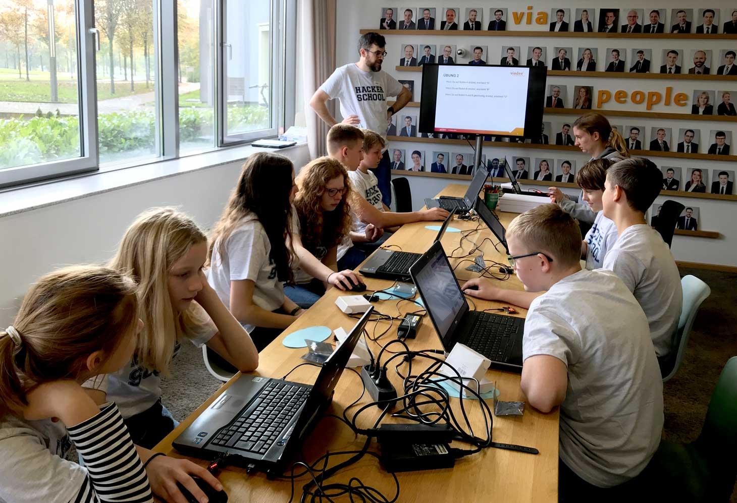 Hacker-School-powered-by-viadee